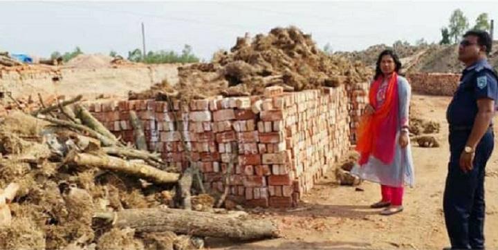 ইট-ভাটায়-জরিমানা-Furnishing brick kilns in mobile court in Auteur