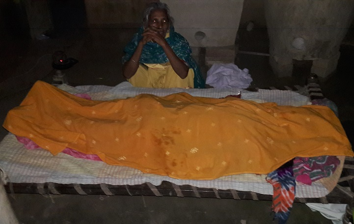 গোদাগাড়ীতে গৃহবধূর লাশ উদ্ধার হত্যার অভিযোগ স্বামী পলাতক