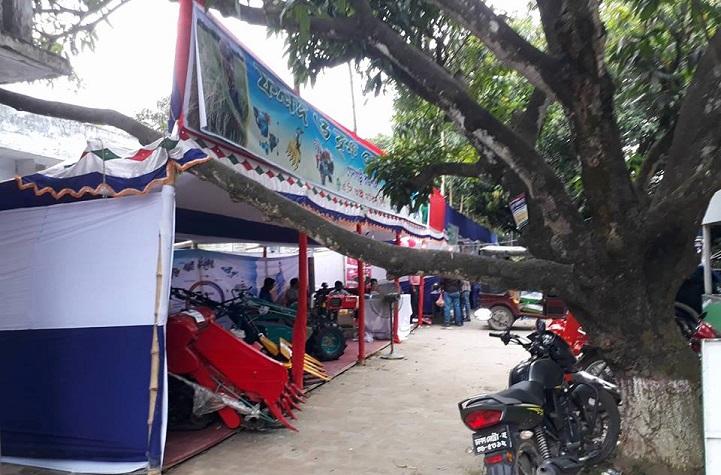 গোদাগাড়ীতে বেচা বিক্রি ছাড়াই শেষ হলো ফলদ বৃক্ষ মেলা