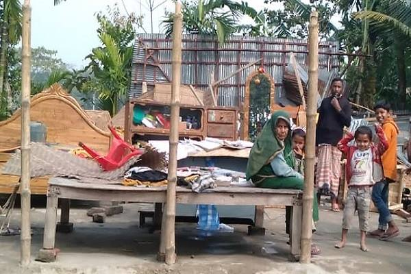 গৌরীপুরে ঘুর্ণিঝড় ও শীলাবৃষ্টিতে অর্ধশত ঘর-বাড়ি বিদ্ধস্ত