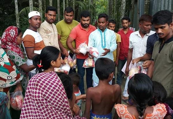 লক্ষ্মীপুরে টিপু'র অর্থায়নে ঈদ সামগ্রী বিতরণ