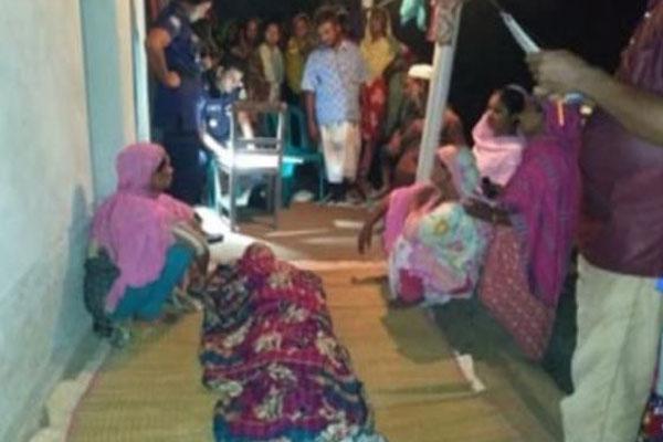 পুঠিয়ায় গৃহবধুর ঝুলন্ত মরদেহ উদ্ধার
