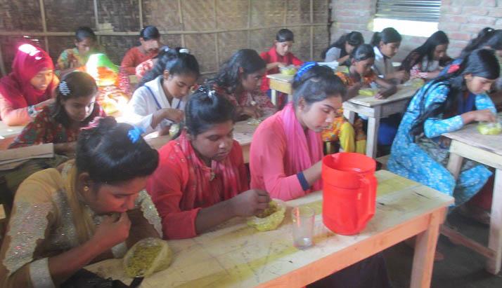 আটোয়ারীতে সদ্য এমপিও ভুক্ত বিদ্যালয়ে মিড ডে মিল চালু
