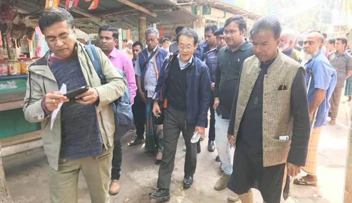 আগৈলঝাড়ায় উন্নয়ন কাজের পরিদর্শন করেন জাপানের প্রতিনিধি দল
