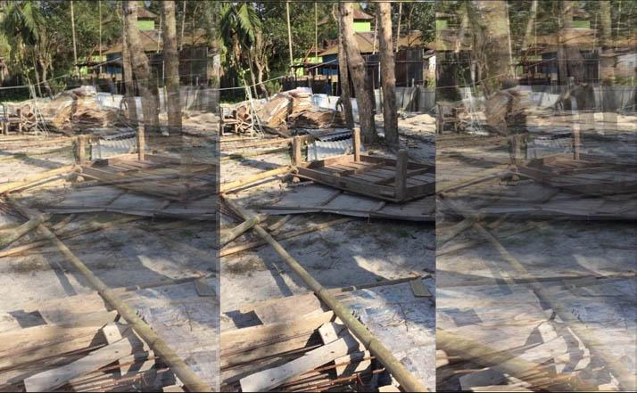 রাজারহাটে ব্যবসায়ীর জমি জবর দখলের চেষ্টা ভাংচুর লুটপাট