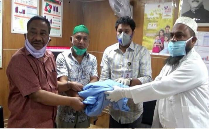 লক্ষ্মীপুরে চিকিৎসক'রা পেয়েছে 'সুরক্ষিত পোশাক'