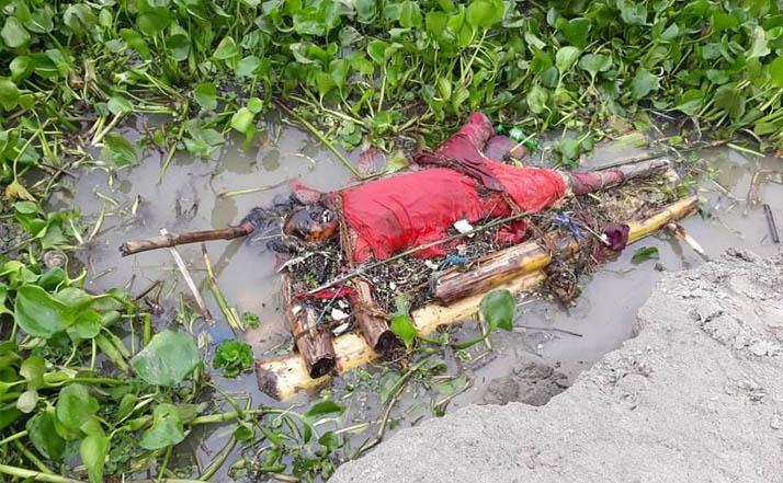 গোদাগাড়ীর পদ্মা নদীর তীরে অজ্ঞাত মেয়ের ভেলাই ভাসা লাশ উদ্ধার