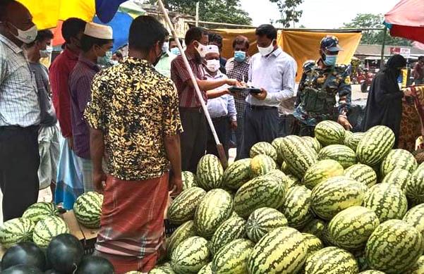 তরমুজের বাজারে জেলা প্রশাসনের অভিযান ॥ জরিমানা