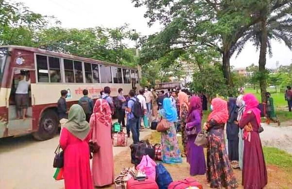 নজরুল বিশ্ববিদ্যালয়ের শিক্ষার্থীদের বাড়ি পৌঁছে দিচ্ছে বিশ্ববিদ্যালয় প্রশাসন