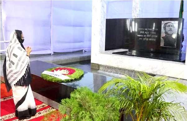 জাতীয় শোক দিবসে বঙ্গবন্ধুর প্রতিকৃতিতে প্রধানমন্ত্রীর শ্রদ্ধা